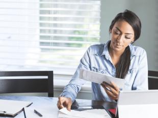 Il commercialista è chiamato ad accertare il diritto delle imprese clienti di accedere al rimborso, tramite software che stimano anche il contributo spettante.