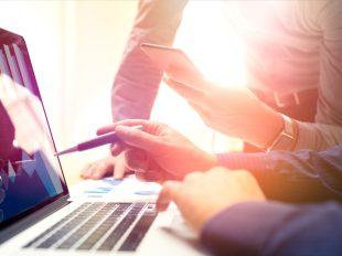 I consulenti del lavoro ricoprono un ruolo chiave nella registrazione e nell'elaborazione dei dati relativi agli orari di lavoro dei dipendenti.